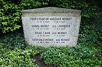 Grave of Walther Nernst at Stadtfriedhof Göttingen 2017 01.jpg