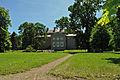 Griebenow, Schloss, im Park 6 (2011-06-11) by Klugschnacker in Wikipedia.jpg
