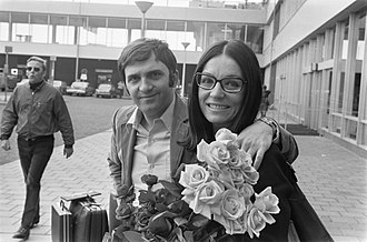 Nana Mouskouri - Nana Mouskouri with her first husband Georges Petsilas in the Netherlands in 1971
