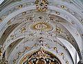 Hall Allerheiligenkirche Innen Gewölbe 2.jpg