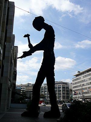 Hammering Man in Basel, Jonathan Borofsky