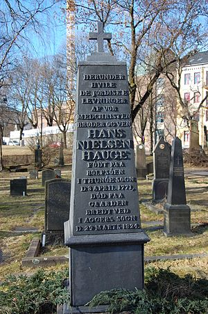 Hans Nielsen Hauge - Hans Nielsen Hauge gravestone at Old Aker Church, Oslo