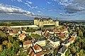 Hautefort, le village et son château.jpg