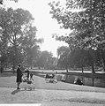 Herfsttij in Amsterdams Vondelpark, Bestanddeelnr 918-2137.jpg