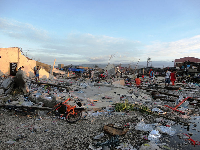 File:Homes destroyed by Typhoon Bopha in Cateel, Davao Oriental.jpg