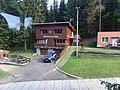 Horní Hanychov, Beranova cesta, Horská služba pod Ještědem, z lanovky.jpg