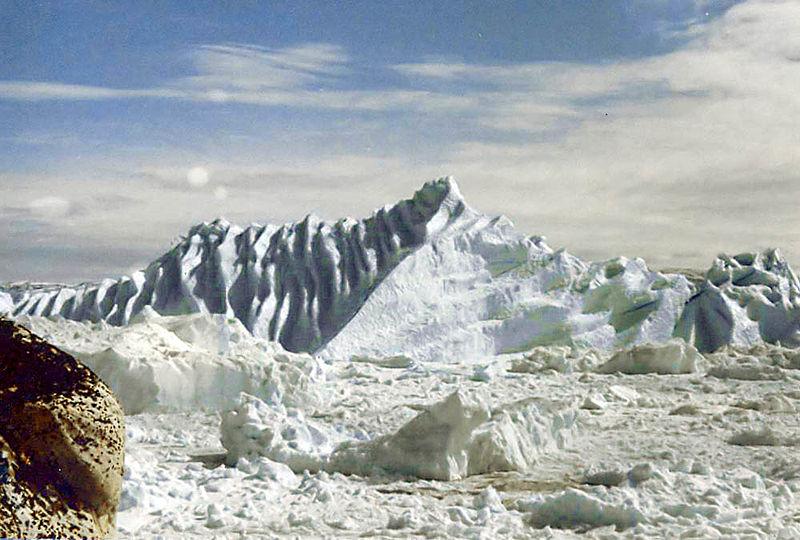 "Сликата ""http://upload.wikimedia.org/wikipedia/commons/thumb/b/bf/Ilulisat_Isfjord.jpg/800px-Ilulisat_Isfjord.jpg"" не може да се прикаже бидејќи содржи грешки."