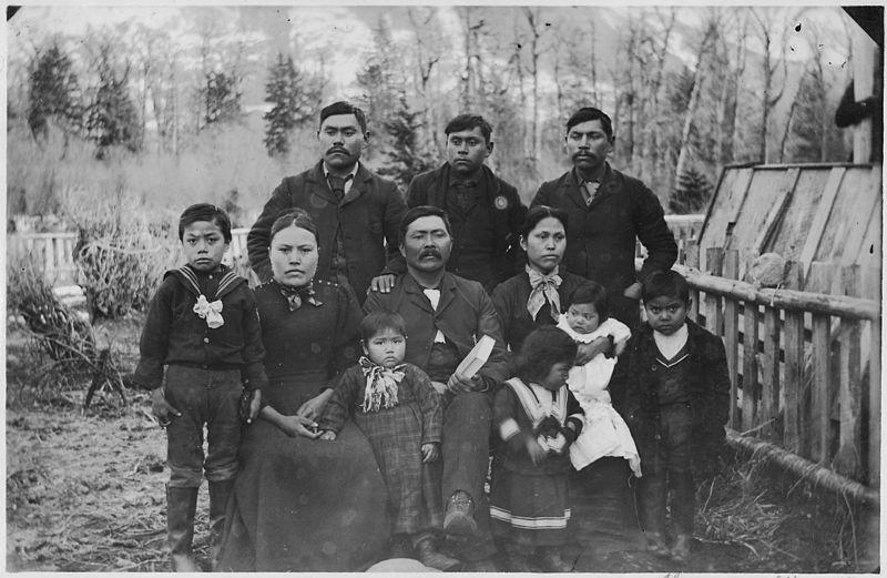 File:Indian family. (Marsden's^) - NARA - 297630.jpg