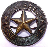 Insignia de los Exploradores de España 1912-1921.jpg