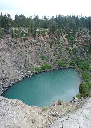 Mono–Inyo Craters - The southernmost of the Inyo craters, one of the Inyo Crater Lakes, from the Forest Service hiking path
