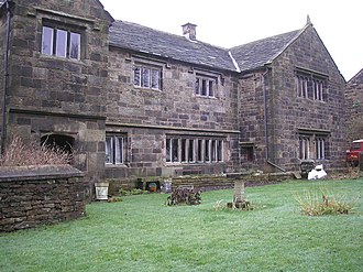Worsthorne - Jackson's House in the centre of Worsthorne, built around 1600