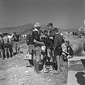 Jamboree 1963 te Marathon Griekenland Swoppen handel in tassen en verschillende, Bestanddeelnr 915-4424.jpg