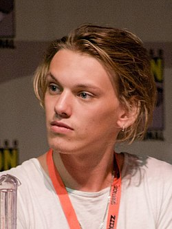 Photo de Jamie Campbell Bower