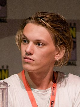 Jamie Campbell Bower in 2009