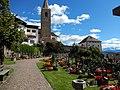 Jenesien, Kirche Friedhof und Rathaus.jpg