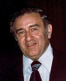 Jerry Siegel (1976) retouched.jpg
