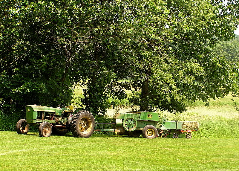 file john deere tractor and square baler boxborough massachusetts wikimedia commons. Black Bedroom Furniture Sets. Home Design Ideas