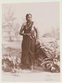 KITLV - 2613 - Kleingrothe, C.J. - Medan - Klingalese woman, probably at Medan, Sumatra - circa 1900.tif