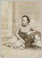 KITLV 12079 - Kassian Céphas - A Javanese woman, probably at Yogyakarta - Around 1890.tif