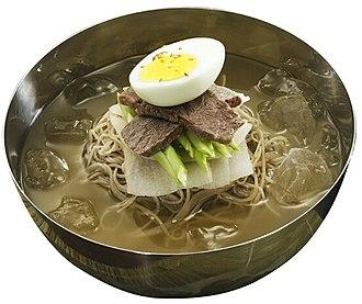Pyeonyuk - Image: KOCIS Mul naengmyeon, Chilled Buckwheat Noodle Soup (4594756202)