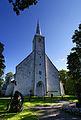 Kadrina kiriku mälestussamba poolne vaade.jpg