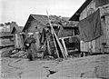 Kalastajien kojuja Matalasalmenkadun nykyisen Hernesaarenkadun päässä - N1965 (hkm.HKMS000005-000001ay).jpg