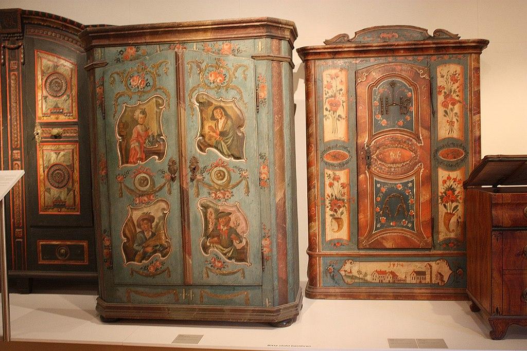 File:Karlsruhe, Badisches Landesmuseum, Bauernschränke.JPG ...