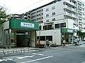 Keisei-Hikifune-station-west-side.jpg