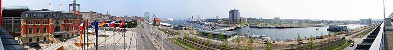 File:Kiel Hafen vom CAP.jpg