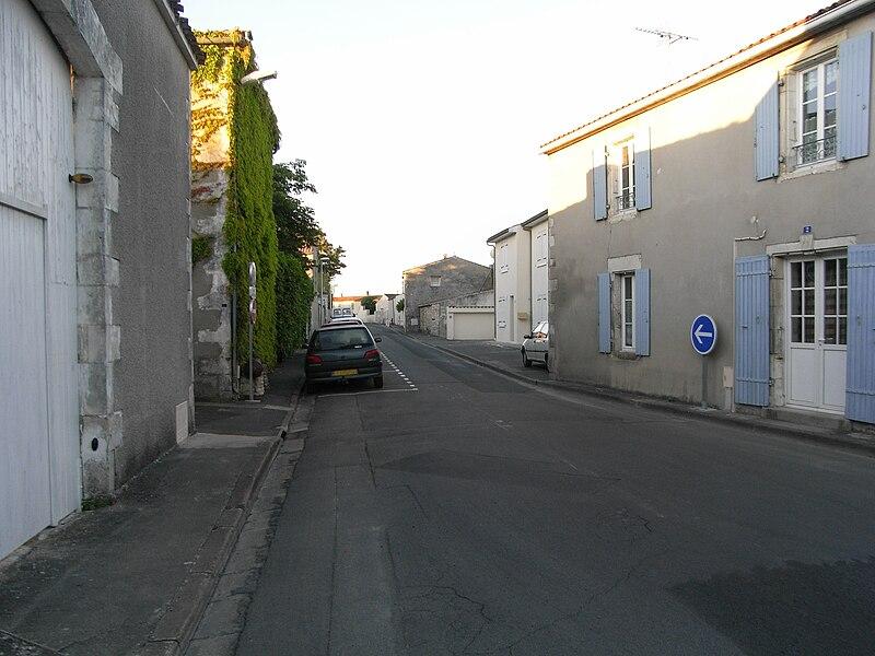 Rue des Canons, commune de La Jarrie en Charente-Maritime (France)