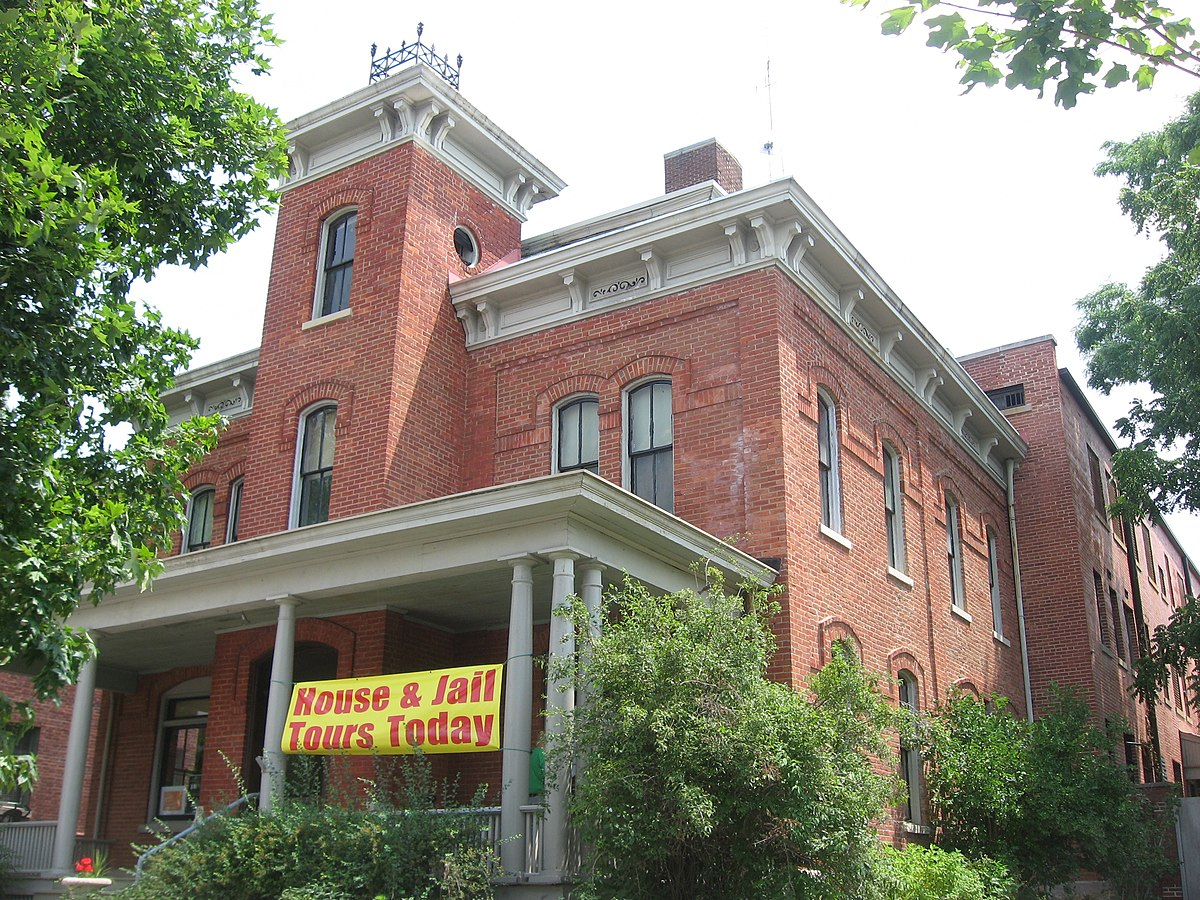 Crown Point Jail Ghost Tour