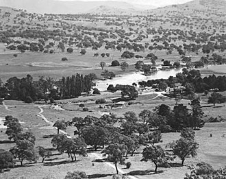Tuggeranong - Aerial view of Lanyon station in 1950