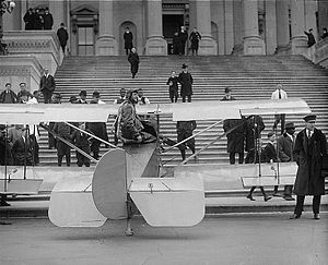 Verville-Sperry M-1 Messenger - Image: Lawrence Sperry at Capitol steps