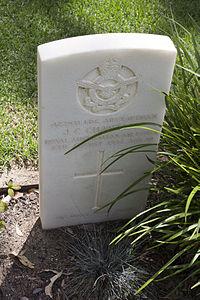Leading Aircraftman J C Chantler gravestone in the Wagga Wagga War Cemetery.jpg