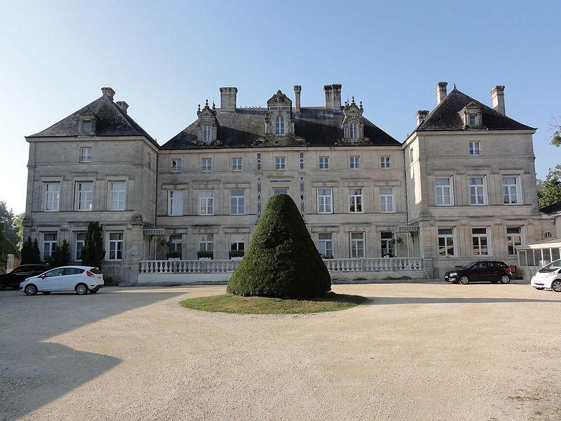 Les Monthairons (Meuse) château des Monthairons coté rue