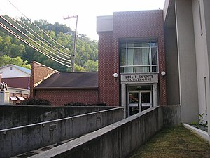 Leslie County Kentucky Courthouse.jpg