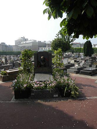 Levallois-Perret Cemetery - Image: Levallois Perret Tombe de Louise Michel
