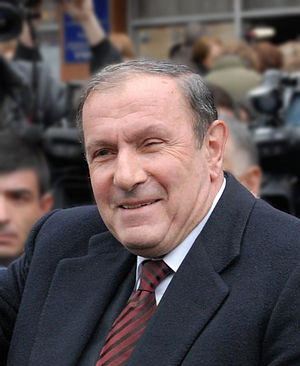 "Vazgen Sargsyan - Vazgen Sargsyan and other ""hard-liners"" forced President Levon Ter-Petrosyan to resign in 1998."