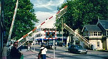 Lincoln-high-street-level-crossing.redvers.jpg