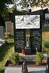 Lomnice nad Popelkou - hřbitov, František Truhlář.jpg