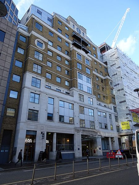 File:London House 172 Aldersgate Street London EC1A 4HU.jpg