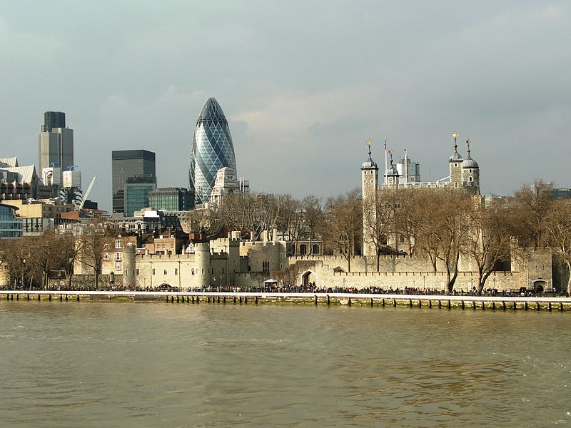 File:Londres - Torre de Londres i City.JPG