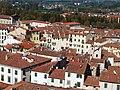 Lucca, Piazza Anfiteatro dalla Torre Guinigi.jpg