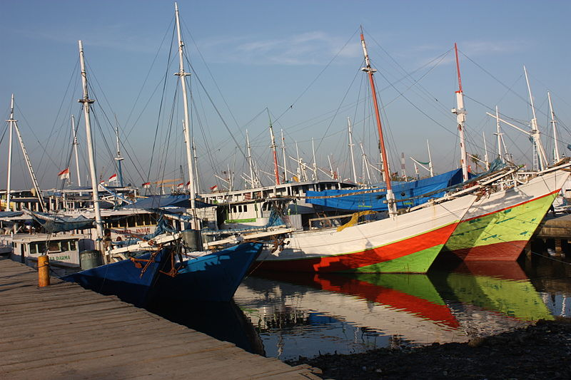 File:Makassar, old harbour (6965255799).jpg