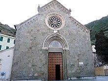 La chiesa parrocchiale di San Lorenzo o della Natività di Maria Vergine nella frazione di Manarola
