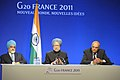 Manmohan Singh addressing a press conference at G-20 summit, in Cannes, France. The Deputy Chairman, Planning Commission, Shri Montek Singh Ahluwalia and the National Security Advisor, Shri Shivshankar Menon are also seen.jpg