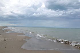 Margherita di Savoia (BT) Beach 2.jpg