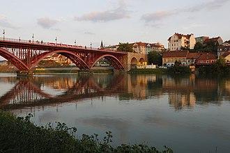Old Bridge (Maribor) - Image: Maribor Stari most z levega brega Drave (1)