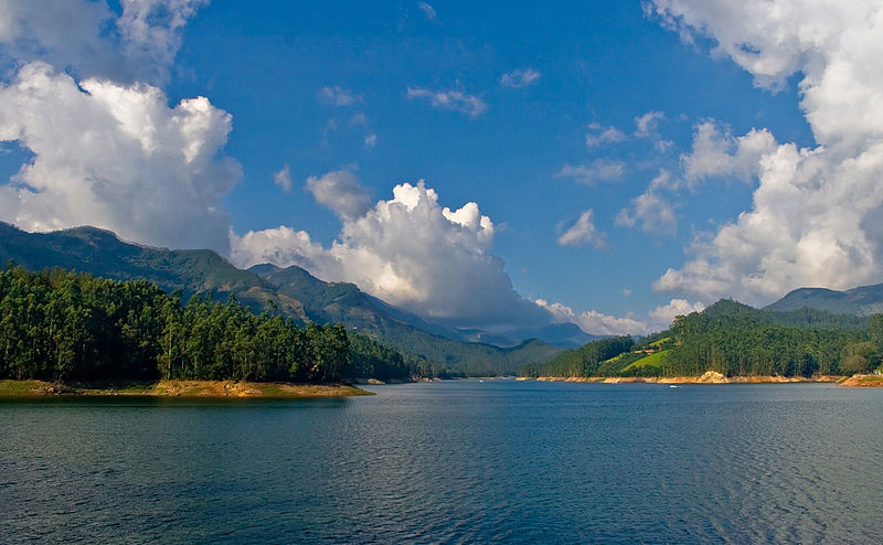 File:Mattupetty Dam reservoir, near Munnar, Kerala.jpg