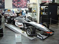 Kauden 1997 McLaren MP4/12. Häkkinen voitti uransa ensimmäisen voiton kauden 1997 päätöskilpailussa Euroopan GP:ssa.